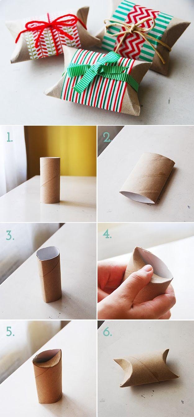 envolver regalo con rollo de papel higiénico